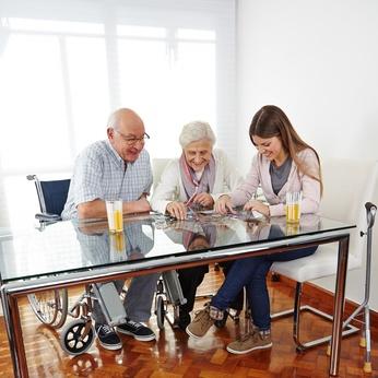 Seniorenpaar Behinderungen